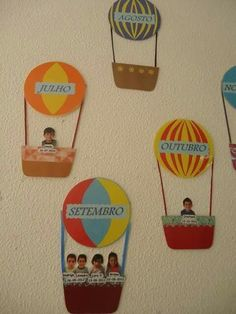 Fantastic DIY Classroom decor Ideas to motivate and also aid you get started - Invite your pupils this year to the institution with an impressive course setting making use of styles! Diy Classroom Decorations, School Decorations, Classroom Displays, Birthday Display In Classroom, Preschool Classroom, Preschool Activities, Decoration Creche, Birthday Bulletin Boards, Preschool Birthday Board