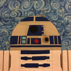 """Star Wars R2-D2  by Melissa Bejot paper pieced 10"""" quilt block  Free from fandominstitches.com Free for personal and non-profit use only  #starwarsquiltchallenge"""