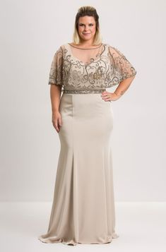 Vestido Capa Lesini Plus Size Bridesmaid, Plus Size Prom, Plus Size Gowns, Evening Dresses Plus Size, Grad Dresses, Modest Dresses, Simple Dresses, Bridesmaid Dresses, Dresses With Sleeves