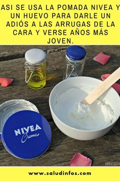 Asi se usa la pomada Nivea y un huevo para darle un adiós a las arrugas de la cara y verse años más joven. #pomada #Nivea #joven Crema Cara, Hair Loss Remedies, Home Remedies, Le Corps, Skin Tips, Diy Makeup, Beauty Recipe, Take Care Of Yourself, Body Care