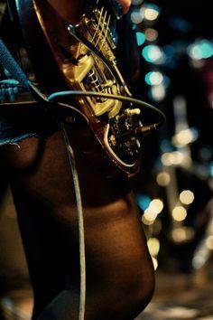 Chitarra degli Heike Has The Giggles al MI AMI ANCORA 2012