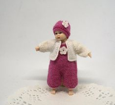 Miniature clothes for Heidi Ott doll, miniature knitting pink doll outfit for 2.7 inch baby, 1:12 dollhouse clothes for toddler