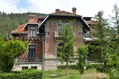 Casa Lalu, (1914), Piatra Neamț antreprenor Carol Zane, arh. Roger H. Bolomey, stil neoromânesc