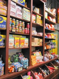 Photo of Cracker Barrel Old Country Store - Saint George, UT, United States. Inside of Cracker Barrel Country Store Old General Stores, Old Country Stores, Cracker Barrel Country Store, Tante Emma Laden, Candy Display, Store Layout, Butler Pantry, Candy Store, Store Displays
