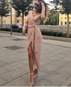 18 Fashion Wrap Dresses Classy Glamsugar com Pretty Dresses, Sexy Dresses, Beautiful Dresses, Evening Dresses, Casual Dresses, Fashion Dresses, Dresses For Work, Prom Dresses, Formal Dresses