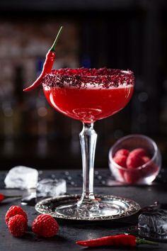 Cocktail from restaurant Life Pi, Moscow – Ye İç – Yemek tarifleri Cocktail Garnish, Cocktail Drinks, Cocktail Recipes, Alcoholic Drinks, Fancy Drinks, Summer Drinks, Colorful Drinks, Alcohol Recipes, Aesthetic Food