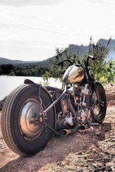 Old skool knuckle Harley Davidson Knucklehead, Harley Bobber, Bobber Motorcycle, Bobber Chopper, Motorcycle Quotes, Harley Davidson Motorcycles, Girl Motorcycle, Vintage Motorcycles, Custom Motorcycles