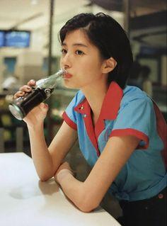 佐久間由衣 Yui Sakuma Human Poses Reference, Pose Reference Photo, Aesthetic Japan, Aesthetic Girl, Poses References, Art Poses, Body Poses, Japan Girl, Film Photography