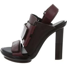 Pre-owned Calvin Klein Collection Leather Platform Sandals (390 BRL) ❤ liked on Polyvore featuring shoes, sandals, burgundy, block heel platform sandals, velcro shoes, burgundy platform sandals, platform shoes and burgundy leather shoes