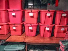 Labeling plastic containers - Sew Many Ways Moving Storage Containers, Organize Plastic Containers, Plastic Storage Tubs, Moving And Storage, Organizing Labels, Organization Hacks, Organizing Tips, Diy Handbag, Garage Storage