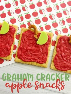 Graham Cracker Apple Snacks - a fun back to school snack idea