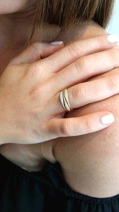 Indian Jewelry Earrings, Jewelry Design Earrings, Gold Jewellery Design, Gold Jewelry Simple, Gold Rings Jewelry, Diamond Jewelry, Brass Jewelry, Jewelry Box, Vintage Jewelry