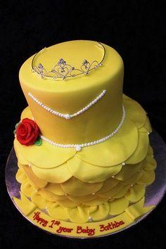 Bolos decorados da Princesa Bela - http://www.boloaniversario.com/bolos-decorados-da-princesa-bela/