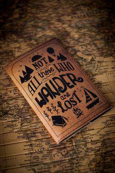 Paspoort kaft - paspoort cover - paspoorthouder - paspoort leergeval - gepersonaliseerde paspoort kaft - pictogram dwalen