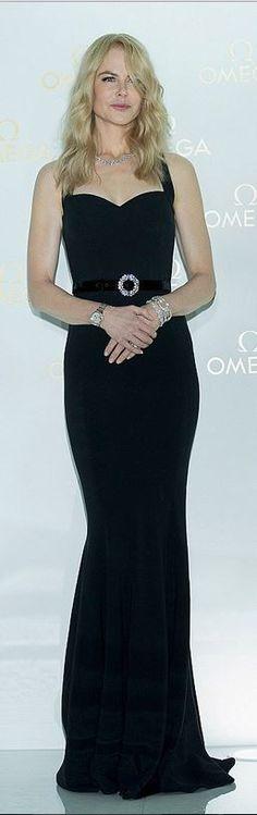 Nicole Kidman: Dress – Dolce & Gabbana  Jewelry – Harry Winston  Watch – Omega