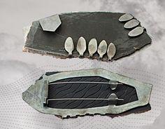 Idar - Deborah Rudolph - 'see see' brooch - Bellissimo modo di incastonare un oggetto irregolare. Interessante sia il fronte sia il retro