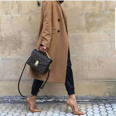 a95513968 Classic Bolsas Lv, Louis Vuitton Heels, Louis Vuitton 2017, Vuitton Bag,  Louis