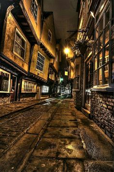 (one of my favourite places) York, England - The best city for chocolate, tea, books. and magic! Like walking into joy. Norrell is sumptuous. York England, York Uk, Places To Travel, Places To See, York Hotels, Yorkshire England, North Yorkshire, Nocturne, Land Art