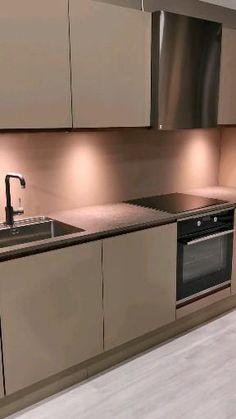 Aubo Venezia matt line kitchen from Aubo. Modern Grey Kitchen, Modern Kitchen Interiors, Luxury Kitchen Design, Kitchen Room Design, Interior Design Kitchen, Minimalistic Kitchen, Kitchen Interior Inspiration, Small Modern Kitchens, Contemporary Kitchen Cabinets