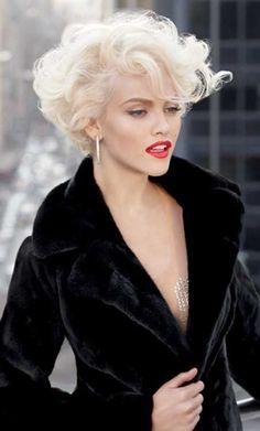 Short, curly, platinum bob. So glamorous! #platinumblonde #curlyhair | best stuff