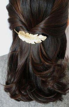 Hair clips 834503005931480285 - Feather Hair Pin, Feather Hair Clip, Leaf Hairpin, Leaf Hair Clip, Hai Source by grandartdevivre Bobby Pin Hairstyles, Scarf Hairstyles, Vintage Hairstyles, Down Hairstyles, Hair Scarf Styles, Curly Hair Styles, Feather Hair Clips, Bridal Hair Clips, Feathers In Hair