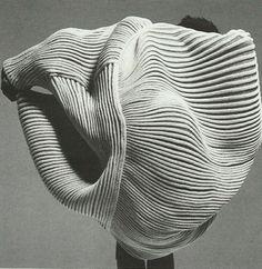 Patternity | BILLOWING PLEATS | ISSEY MIYAKE SS85 fashion, textile, ripple, wave, pleat, issey miyake