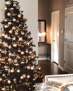 Copper, Grey, Brown and White Christmas Tree Design Idea Best Christmas Tree Decorations, Elegant Christmas Trees, Christmas Tree Inspiration, Christmas Tree Design, Gold Christmas Tree, Xmas Tree, Simple Christmas, Beautiful Christmas, Christmas Holidays