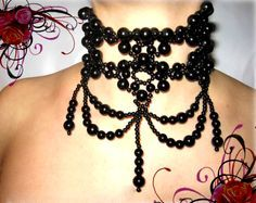 """Free pattern for necklace Gothic (The """"pattern"""" leaves me unsure but I like this look.)"""
