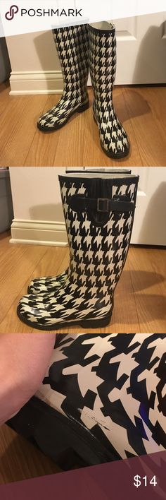 Hounds tooth women's rain boots Hounds tooth black and white rain boots. Worn only a few times, and show only minor signs of wear. Charming Charlie Brand size 6. A few small scuffs but not noticeable unless you're looking for them. Charming Charlie Shoes Winter & Rain Boots