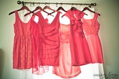 Different shades of coral for bridesmaids dresses - a photographer's dream!