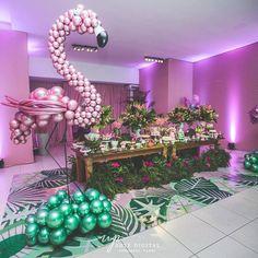 Essa decoração ficou um arraso 😍 #inspiresuafesta #bloginspiresuafesta . Por @vivadecor . #festaflamingo #flamingos #flamingosisf #flamingosparty