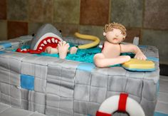 Tallulah's Bakery: Cake Time: Gruesome Shark Attack Swimming Pool Cake!!
