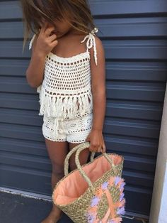 Cute little crochet shorts to match with any top or leotard. Crochet Bikini Pattern, Crochet Shorts, Crochet Crop Top, Knit Crochet, Crochet Patterns, Crochet Toddler, Crochet Girls, Crochet Baby Clothes, Crochet For Kids