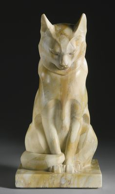 Chat Assis, marble sculpture, circa 1926, by Édouard Marcel Sandoz