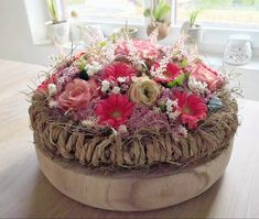 Table Decorations, Cake, Desserts, Food, Home Decor, Tailgate Desserts, Deserts, Decoration Home, Room Decor