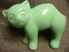 Morton Pottery from Morton, Illinois. Vintage 'Arched Back Cat' pastel green planter made in the came in pastel colors, no marks; I have two green and one blue. Mccoy Pottery Vases, Old Pottery, Vintage Pottery, Vintage Ceramic, Ceramic Pottery, Cat Colors, Pastel Colors, Vintage Planters, Mixing Bowls