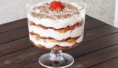 This Strawberry Tiramisu Trifle is a classic dessert that gets a berry twist with lots of strawberries, chocolate and a fabulous mascarpone cream. Tiramisu Trifle, Strawberry Tiramisu, Tiramisu Recipe, Trifle Desserts, Delicious Desserts, Yummy Food, Raspberry Trifle, Strawberry Picking, Triffle Recipe
