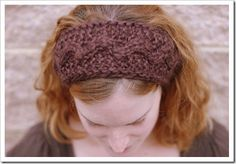 This braided headband was inspired by former Ukranian prime minister Yulia Tymoshenko. Known for her sense of style, Tymoshenko sported Victorian-inspired clothing and a signature blonde braid, wrapped around her head in traditional Ukranian style. Knitting Help, Cable Knitting, Knitting Patterns Free, Knit Patterns, Free Pattern, Knitting Ideas, Knitting Needles, Knit Headband Pattern, Knitted Headband