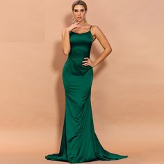 Color : Green Material : Polyester Style : Sexy & Club Pattern Type : Solid Neckline : Asymmetrical The post Sexy Irregular Neck Off Shoulder Backless Maxi Dresses appeared first on Power Day Sale. Backless Maxi Dresses, Chiffon Dress, Sexy Dresses, Vintage Dresses, Evening Dresses, Maxi Skirts, Maxi Outfits, Party Outfits, Party Gowns