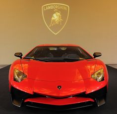 Here's the Lambo unveiled! It's the reactive Aventador LP 750-4 Superveloce