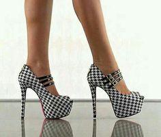 Houndtooth shoe