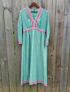 Vintage 60s 70s Green Pink Long Sleeve by PinkCheetahVintage, $24.99
