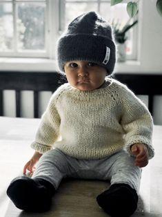 Ravelry: strikkeskolens hue pattern by Pia Trans Knitting For Charity, Knitting For Kids, Baby Knitting Patterns, Knitting Projects, Crochet Pattern, Knit Crochet, Drops Baby, Drops Design, Bebe