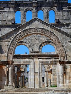 In Syria - part of the dead cities - long past Byzantium culture Byzantine Architecture, Roman Architecture, Ancient Architecture, Ancient Ruins, Ancient History, Syria Before And After, Ancient Buildings, Byzantine Art, Romanesque