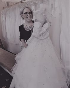 Anna Maria Heiss #brautmodentirolteam #brautmodentirol One Shoulder Wedding Dress, Anna, Wedding Dresses, Fashion, Gowns, Bride Dresses, Moda, Bridal Gowns, Fashion Styles
