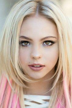 Image Beauty Face Beachbikini's in Beauty Face - Beachbikini's album Beauté Blonde, Blonde Beauty, Hair Beauty, Beauty Makeup, Most Beautiful Faces, Gorgeous Eyes, Gorgeous Girl, Beautiful Women Blonde, Girl Face