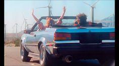 Justice - Fire. Susan Sarandon não dança tão bem, mas é uma luz de carisma no meio desses 2 blasé-masters (Susan Sarandon doesn't dance quiiite well, but she's for sure an explosion of charisma between these two blasé-master guys) (dir.: Pascal Teixeira) (02/12)