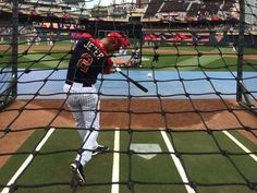 """Janet Lyn @Janet_Lyn Nice! #ASG """"@YanksMagazine: #Yankees captain Derek Jeter gets ready to lead off 85th @MLB #AllStarGame in Minnesota. pic.twitter.com/xaecpvrwbJ"""""""