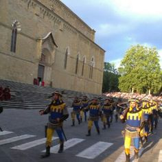 Medieval Parade Popular Culture, Anthropology, Folklore, Medieval, Street View, Anthropologie, Mid Century, Middle Ages