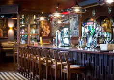 The task was to create a Gastro Pub at The Inn at Dromoland with sufficient definition so that it conveyed to the customer that the pub has good casual food in semi privacy